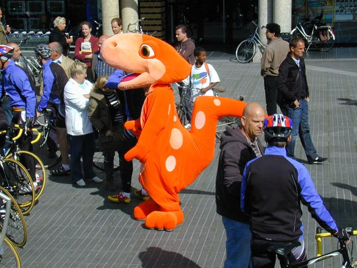 http://www.eliannevandorp.nl/files/gimgs/5_dino-2.jpg